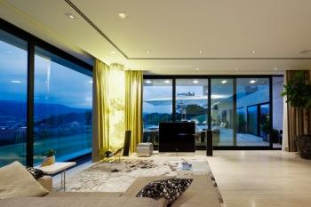 Hochwertige Alufenster & Aluminium Türen nach Maß